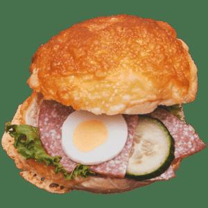 Käsebrötchen Salami